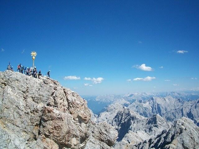 Wanderung von Grainau auf den Gipfel der Zugspitze