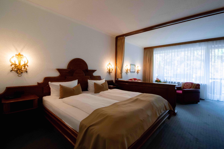 omfort-Doppelzimmer mit Bergblick Zugspitzflügel