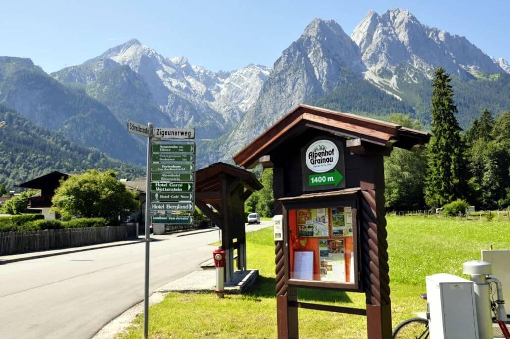 4-Sterne-Hotel Alpenhof Grainau Wegweiser