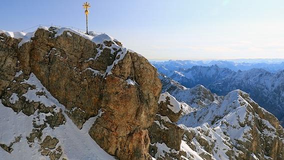 Zugspitze Ostgipfel mit Gipfelkreuz